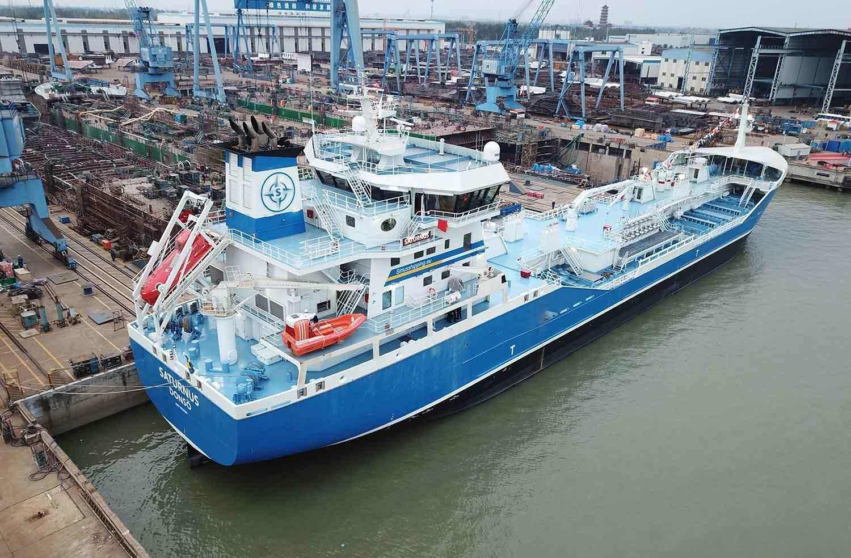 asian-marine-shipping-naked-big-tits